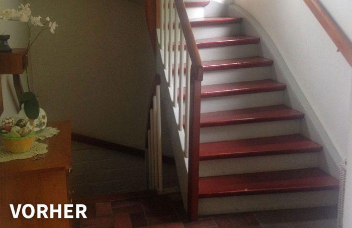 Flur und Treppe vorher – Ferienwohnung