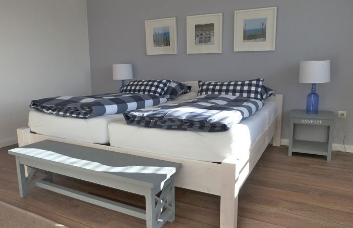 Schlafzimmer nachher – FeWo-Styling